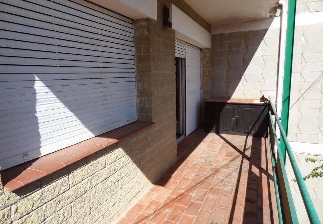 Ferienwohnung in Escala - P10417