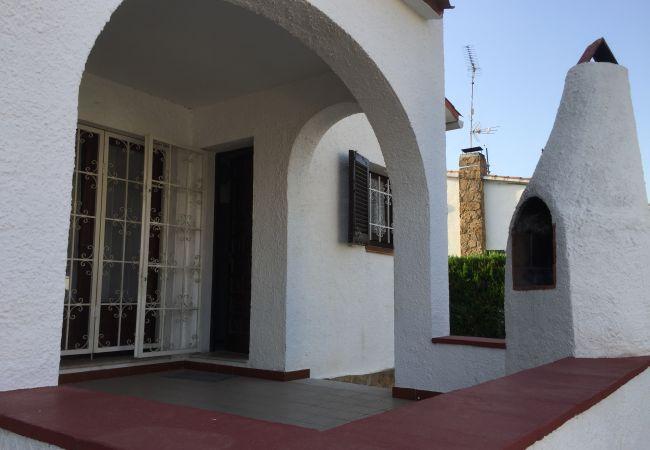 House in L'Escala - LES ROCHES