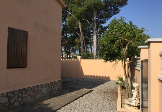 House in L'Escala - SOLITUD III