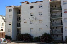 Apartment in L'Escala - P10550