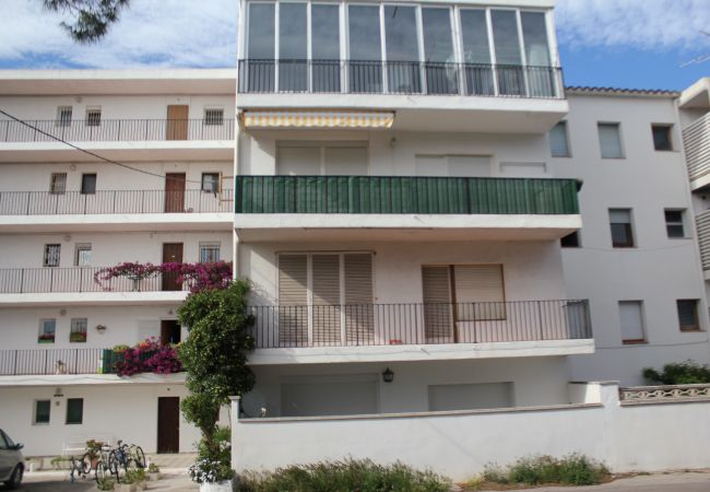 Apartment in L'Escala - LES ALZINES