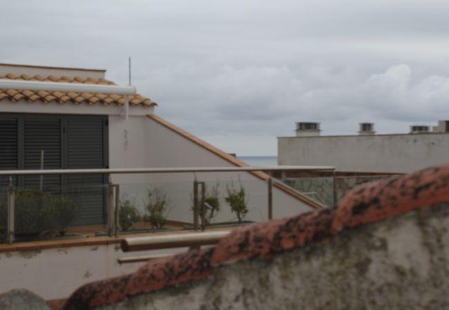 Flat in Escala - P10612