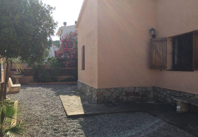 Casa en L'Escala - SOLITUD III