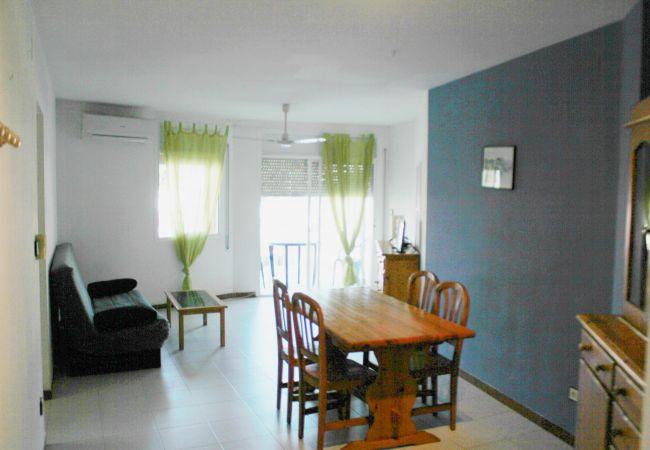 Apartament en Escala - ELENA