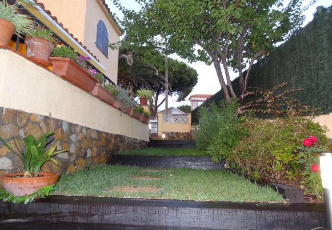 Casa en Escala - C10324