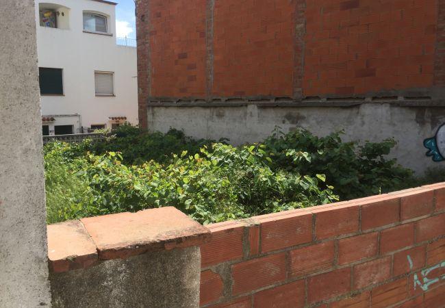 Parcel.la en Escala - T10222 - AVINGUDA GIRONA