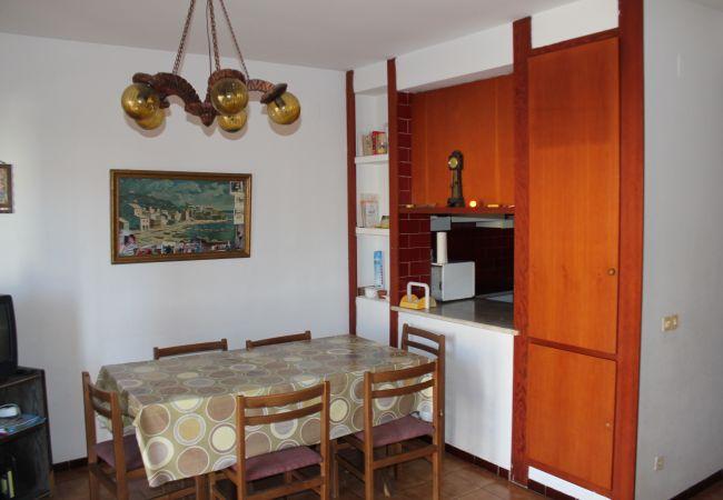 Apartament en Escala - P10622